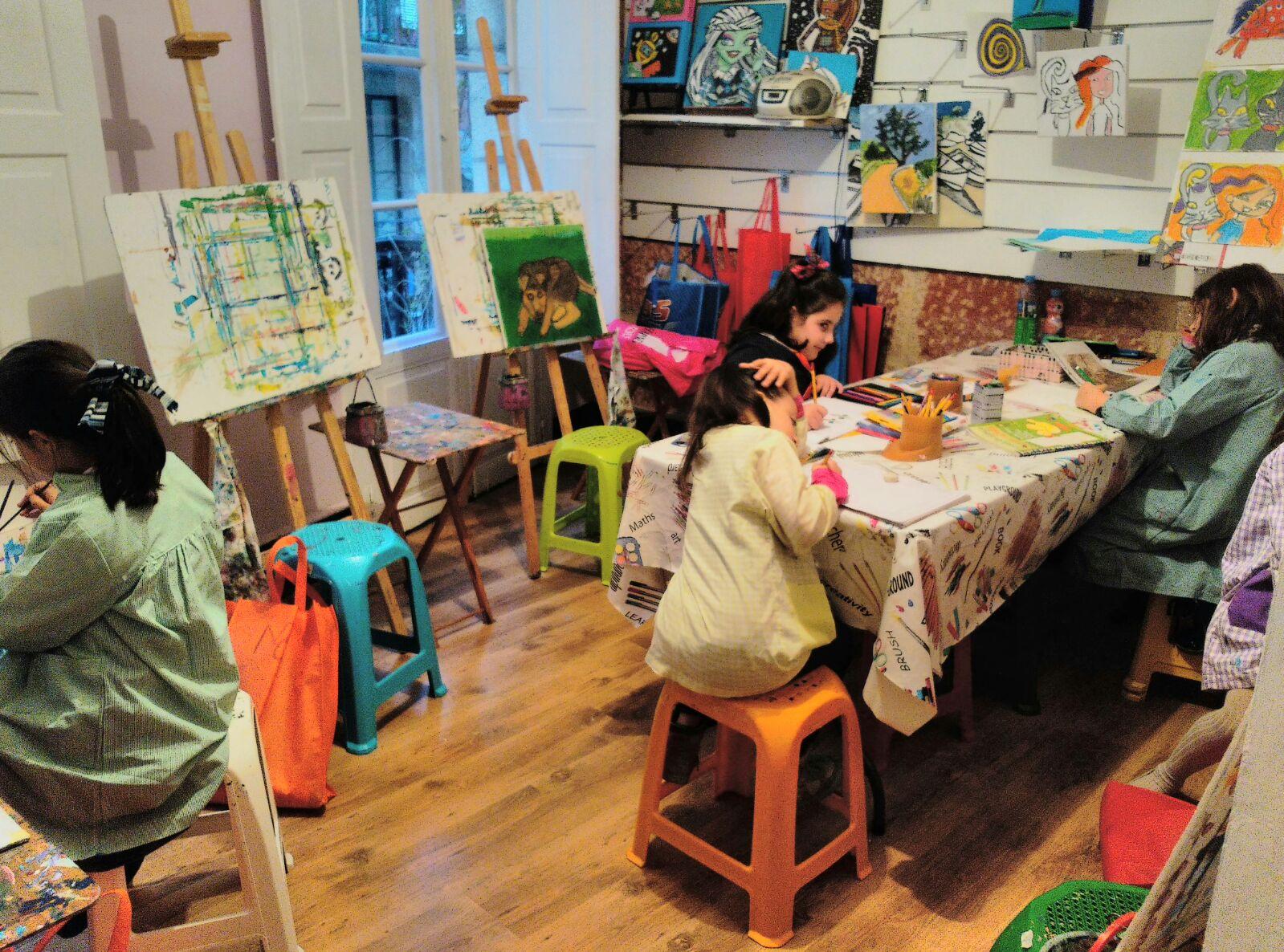 Minicurso de pintura para niños/ Aula GaliArt Vigo - Mukina