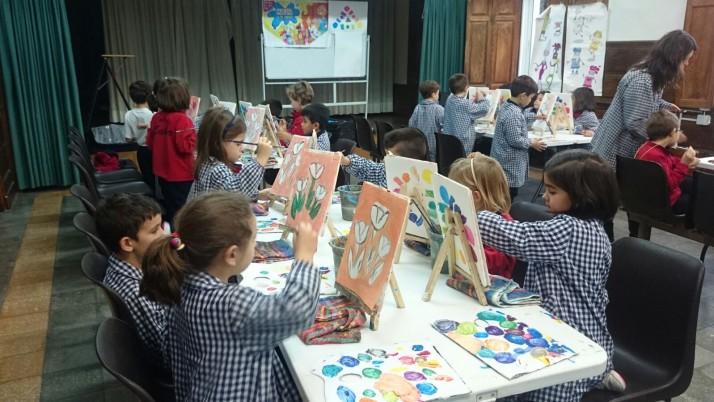 """Presentamos en el Colegio Labor de Vigo """"Las Aventuras de Mukina y la familia Pinturera"""""""